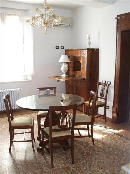 Appartamento in affitto a costa saragozza bologna 400 for Appartamenti arredati in affitto a bologna